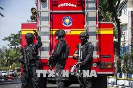 Bốn đối tượng đánh bom liều chết tại trụ sở cảnh sát ở Surabaya, Indonesia