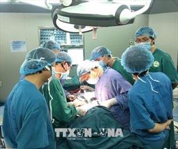 Phẫu thuật thành công cho bệnh nhân bị đoạn sắt đâm xuyên mắt