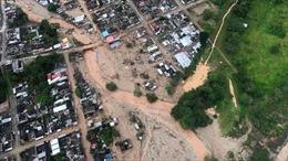 Hàng nghìn người dân sơ tán do nguy cơ sạt lở, sập nhà máy thủy điện