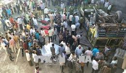 Lật xe tải chở xi măng ở Ấn Độ, ít nhất 19 công nhân thiệt mạng