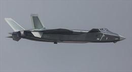 Tiêm kích tàng hình J-20 của Trung Quốc bị radar Su-30 'bắt bài'
