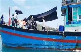 Ba ngư dân tử vong trên biển vì vật thể lạ phát nổ
