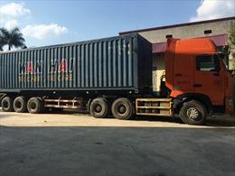 Bắt giữ xe ô tô vận chuyển 20 tấn than lậu