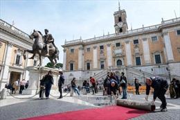 Eurozone hối thúc Italy tôn trọng các cam kết nợ