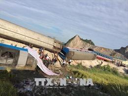 Khẩn trương khắc phục, điều tra vụ lật tàu nghiêm trọng tại Thanh Hóa