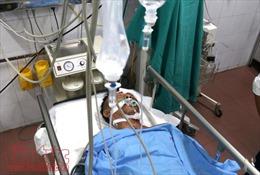 Tài xế lái xe tải trong vụ tai nạn lật tàu tại Thanh Hóa vẫn đang nguy kịch