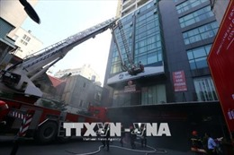 Diễn tập giải cứu 240 người kẹt trong đám cháy tại tòa chung cư ở Hà Nội