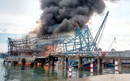 'Bà hỏa' thiêu rụi tàu cá vỏ thép 13,6 tỷ đồng
