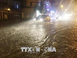 Hoàn lưu áp thấp nhiệt đới tiếp tục gây mưa lớn