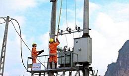 Niềm vui của người thợ kéo điện vùng cao