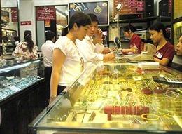 Giá vàng đồng loạt giảm nhẹ phiên đầu tuần