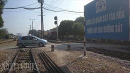 Hà Nội năm 2020 xóa bỏ các lối đi tự mở qua đường sắt ở khu vực đông dân cư