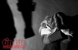Long An: Khởi tố vụ án cha ruột dâm ô con gái