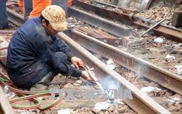 Hoàn thành việc sửa chữa 3 đường ray tại ga Núi Thành, Quảng Nam