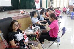 Cựu học sinh Việt Đức (Hà Nội) hiến máu cứu người