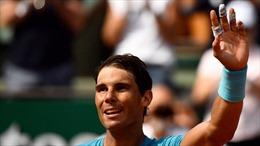 Xem cậu bé nhặt bóng đấu Vua sân đất nện Nadal