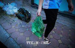 Chưa có loại bao bì được phổ biến thay thế túi nilon ở Việt Nam