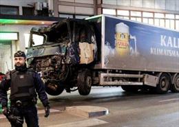 Thụy Điển kết án tù chung thân kẻ lao xe tải vào người đi bộ