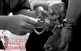 Nghệ An: Phát hiện, bắt giữ 2 đối tượng vận chuyển, tiêu thụ ma túy