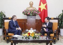 Phó Thủ tướng, Bộ trưởng Ngoại giao Phạm Bình Minh tiếp Quốc vụ khanh Bộ Ngoại giao Latvia