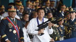 Philippines sắp phát súng cho 42.000 quan chức để trấn áp tội phạm