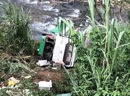 Xe khách lao xuống vực sâu trên đèo Lò Xo: 3 người tử nạn, 18 người bị thương