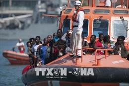 Tây Ban Nha giải cứu hơn 900 người tị nạn trên biển