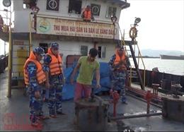 Bắt giữ tàu vận chuyển hơn 200 m3 dầu DO bất hợp pháp