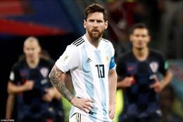 Messi và Argentina thua thảm; HLV đầu tiên ở World Cup mất việc
