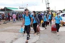 Hỗ trợ các thí sinh từ huyện đảo Phú Quý vào đất liền dự thi THPT quốc gia