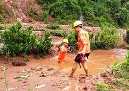 Hơn 13.000 hộ dân mất điện do mưa lũ