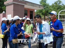 Kỳ thi THPT quốc gia 2018: Thăm hỏi, động viên thí sinh miền núi tỉnh Quảng Trị