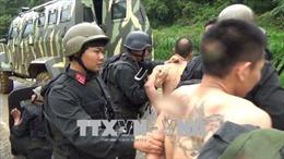 'Nóng' cuộc vây bắt trùm ma tuý ở Lóng Luông, xe bồn chở gas bị hất văng khi đâm tàu hoả