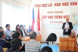 Khai giảng lớp học tiếng Việt mùa Hè tại CH Séc