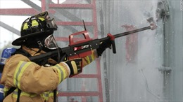 Quân đội Mỹ sở hữu súng nước bắn xuyên bê tông, tường gạch
