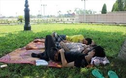 Bải hoải chống chọi với nắng nóng trên 40 độ C ở Hà Tĩnh