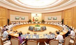 Thủ tướng Nguyễn Xuân Phúc: Tập trung nhiều hơn nữa cho công tác xây dựng thể chế