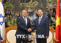 Bộ trưởng Tô Lâm tiếp Tổng Vụ trưởng Bộ Công an Nhà nước Israel