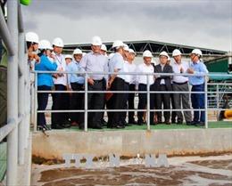 Đoàn công tác của Phó Chủ tịch Quốc hội Uông Chu Lưu thị sát Nhà máy giấy Lee & Man
