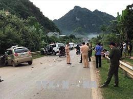Taxi đối đầu với xe cứu thương, 1 người tử vong tại chỗ