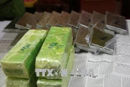 Đột kích đường dây đóng gói ma túy ở Mộc Châu, thu giữ 16 bánh heroin