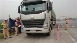 Bộ Giao thông Vận tải yêu cầu xử nghiêm ô tô vi phạm xếp dỡ hàng hóa