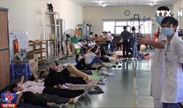 Nhiều công nhân có dấu hiệu bị ngộ độc khí tại Quảng Ninh