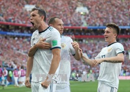 Lãnh đạo Nga và Croatia dự khán trận tranh vé vào bán kết của đội nhà
