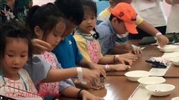 Giúp đỡ học sinh vùng còn khó khăn qua 'Ngày hội hướng nghiệp AVION- Máy bay giấy'