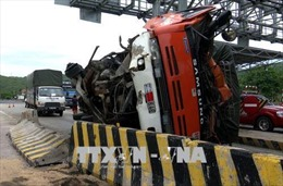 Tai nạn giao thông ngay Trạm thu phí đường bộ