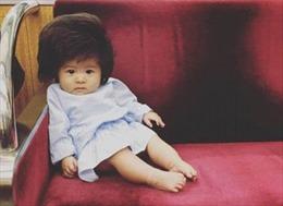 Cô bé trở thành hiện tượng mạng xã hội vì mái tóc đặc biệt