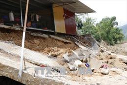 Hỗ trợ người dân vùng lũ Yên Bái vượt qua khó khăn
