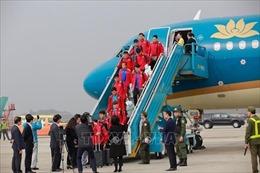Đội tuyển bóng đá quốc gia trở về trong sự chào đón nồng nhiệt của người hâm mộ