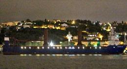 Tàu hàng 'khủng' của Nga rẽ sóng Địa Trung Hải, chở S-300 tới cho Syria